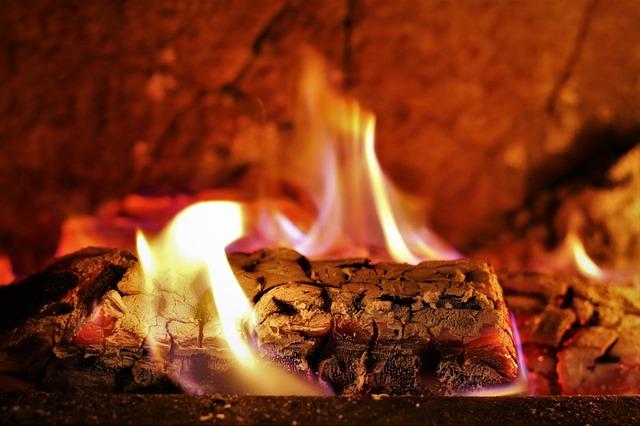 fireplace-2638325_640